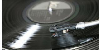 Discos de vinilo HD la alternativa para escuchar nuevamente música en tu viejo tocadiscos