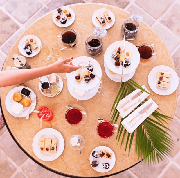 El mayordomo de fotos les dará tips para resaltar los momentos gastronómicos del viaje