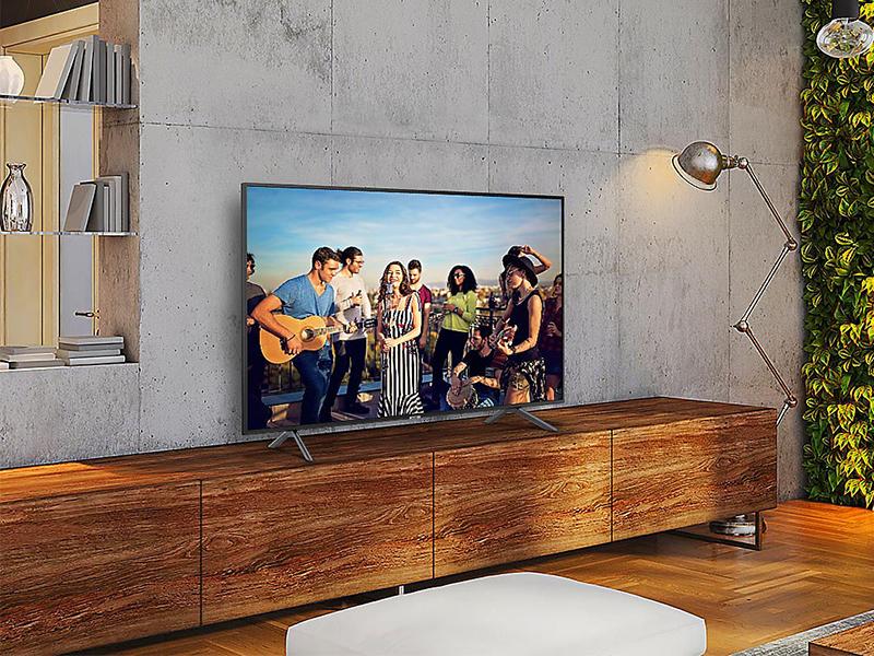Samsung UE75NU7105, una gigante elegante y discreta rellena de buena imagen