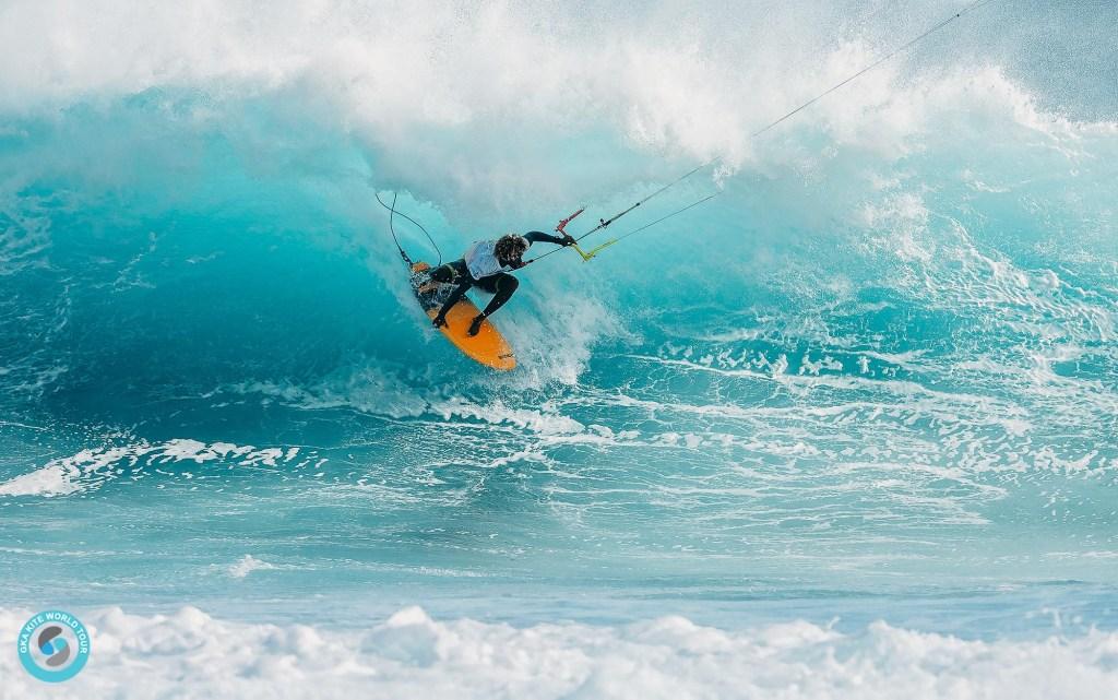 Mitu Monteiro - morphing into the wave