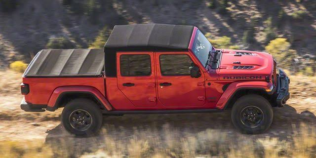 Jeep Gladiator soft top with bed cover