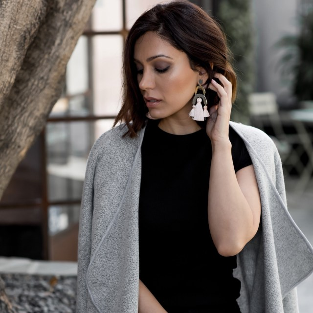 Fashion Blogger wearing statement earrings for Fall