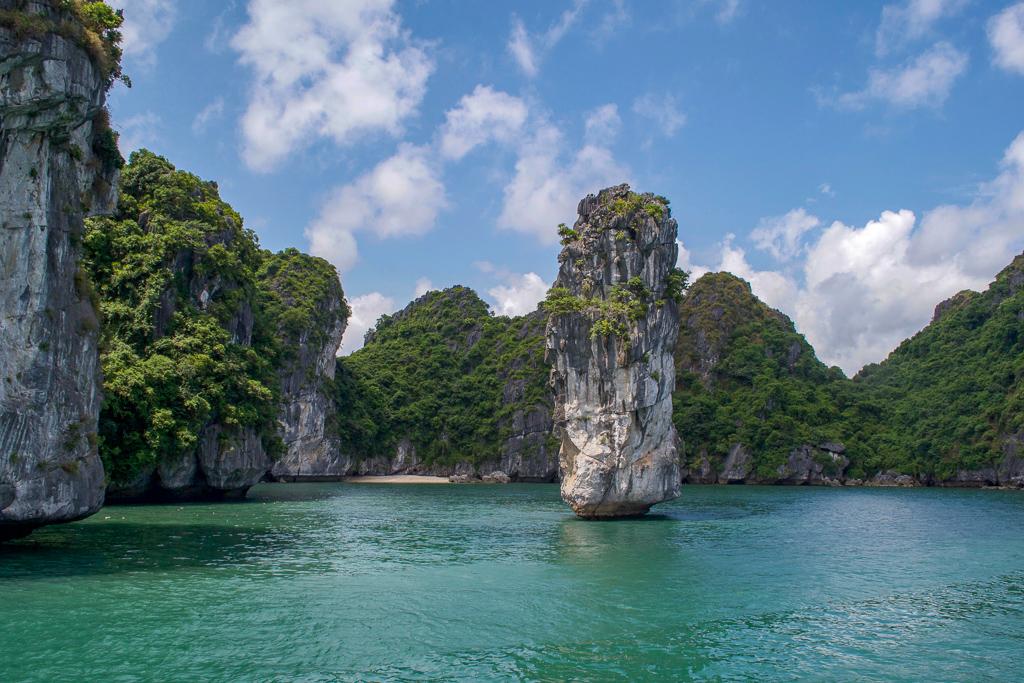 3 Week Vietnam Itinerary - Halong Bay