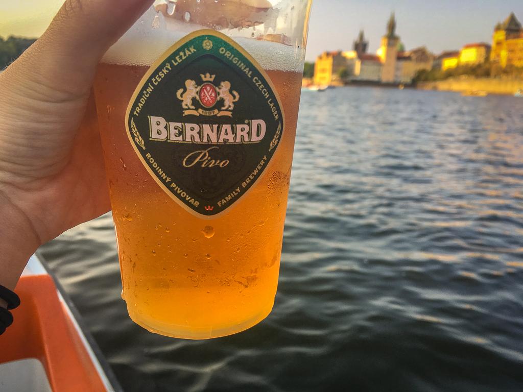 Paddleboat beer on the Vltava