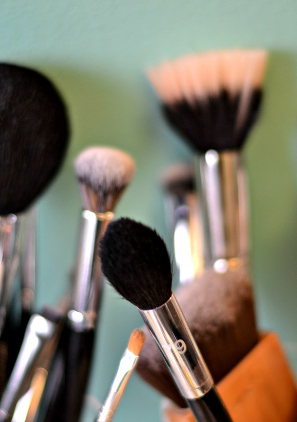10 Genius Beauty Tools You Need (all under $10!)