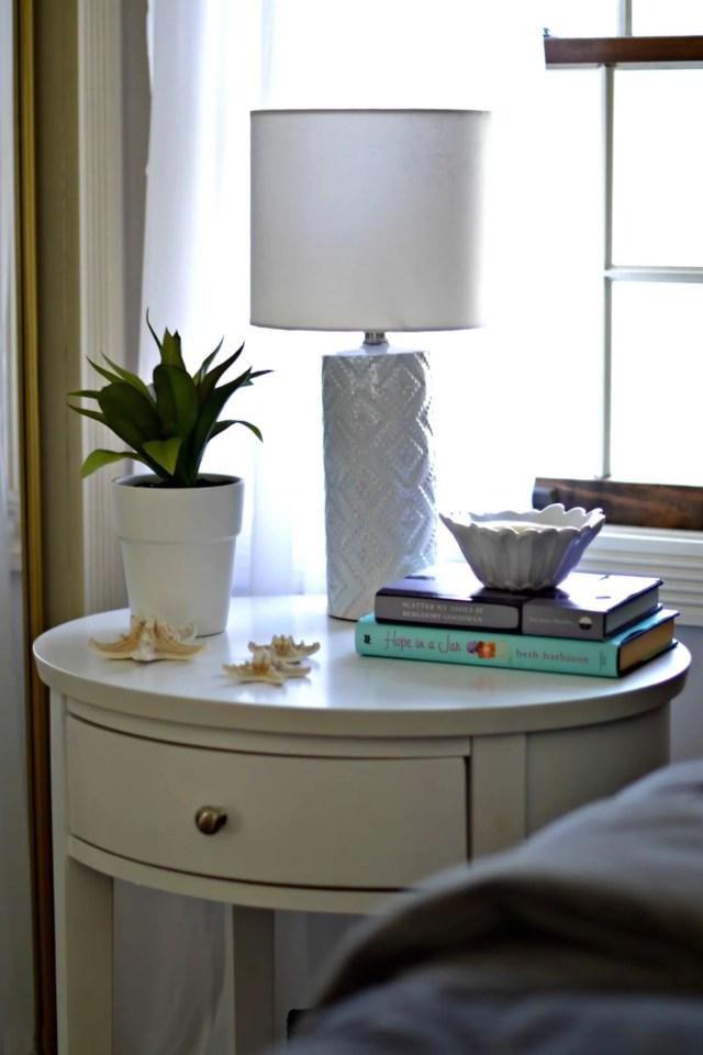 How to Create a Cozy, Chic Bedroom | GlamKaren.com