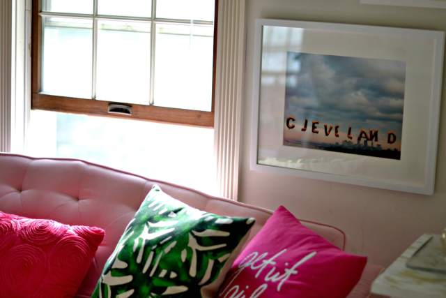 How to Create a Gallery Wall in 5 Simple Steps | GlamKaren.com