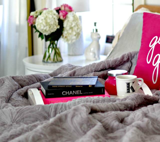 Best Ways to Cozy Up Your Bedroom (right now!)