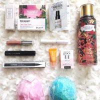 Lush Bombs, Makeup Samples And More GIVEAWAY