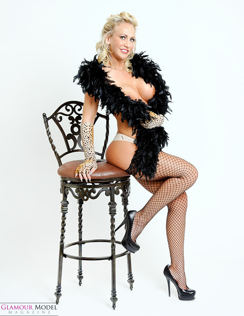 Jessie the pinup non model. Images ©Roger Talley