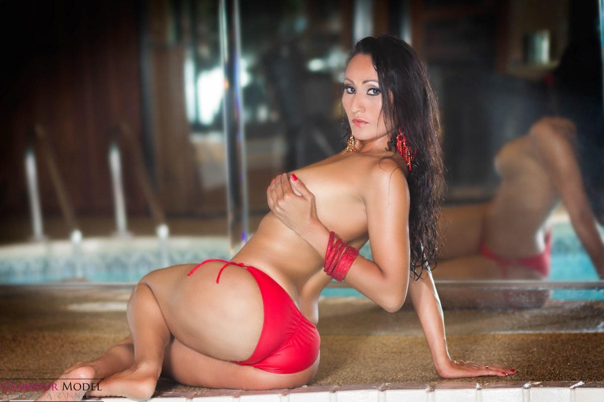 Sexy silly Laisha