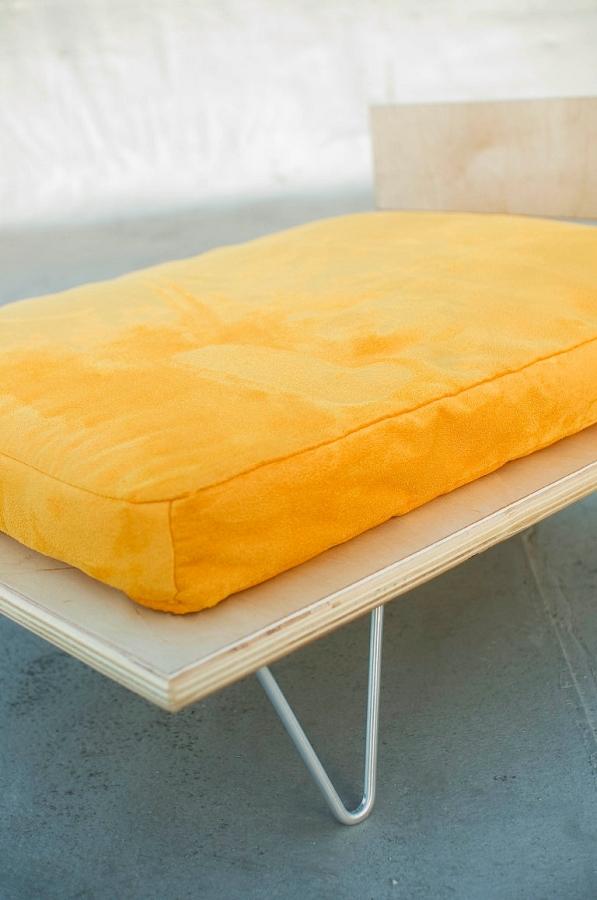 Peyton Platform Pet Bed Cool Dog Beds At Glamourmutt Com