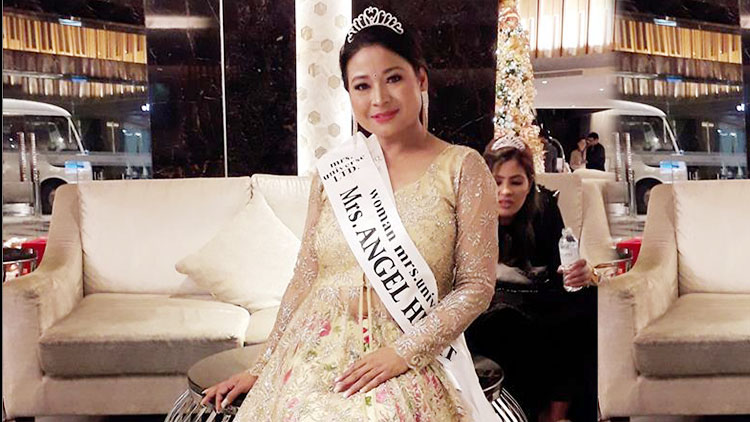 Manisha earned Angel Heart award at Mrs. Universe 2018