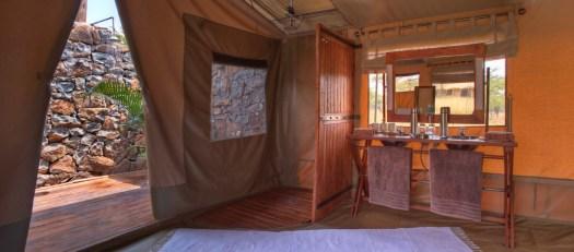 Naboisho-Camp-bathroom