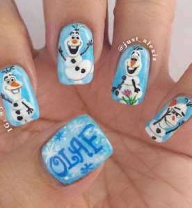 Unghie natalizie: una raccolta delle nail art più belle