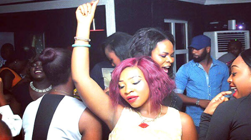 5 Reasons You Will Not Meet Anyone At A Lagos Club
