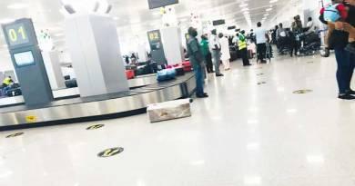 Stranded Nigerians Return