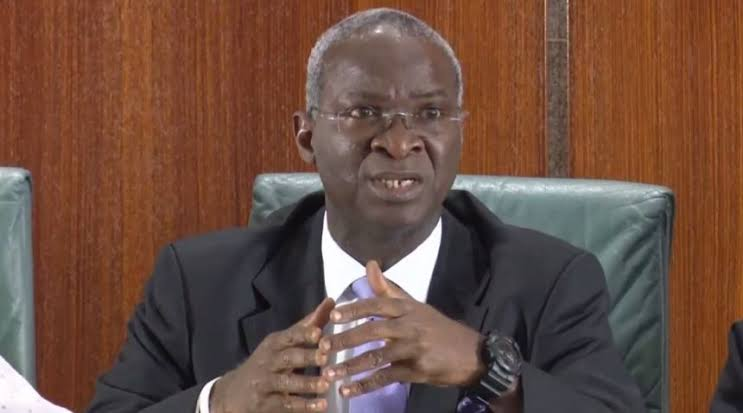 #ENDSARS: Fashola Discovers Hidden Camera At Lekki Toll Gate