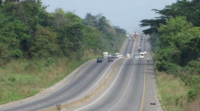 Six Confirmed Dead In Saturday's Lagos-Ibadan Expressway Auto crash