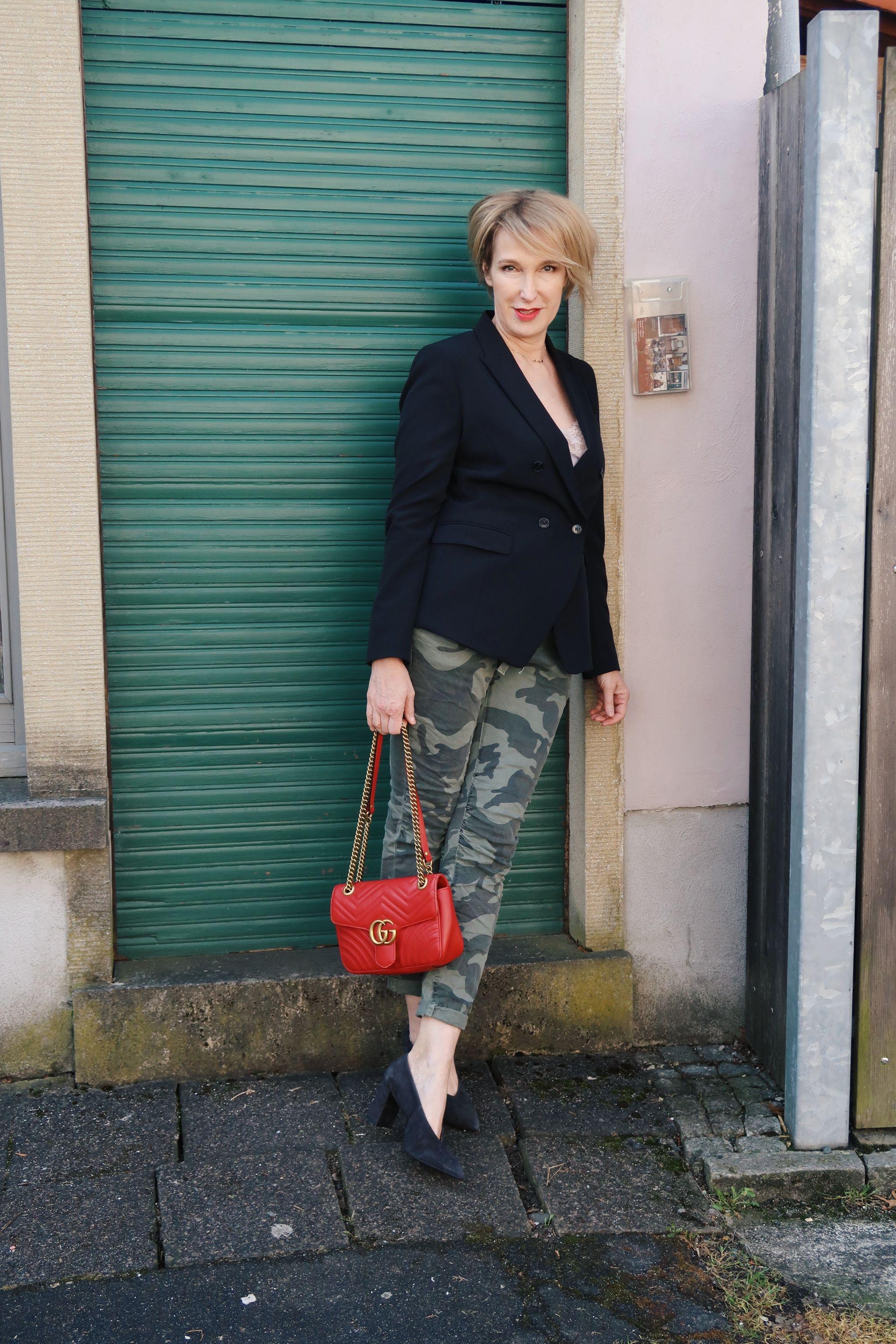 glamupyourlifestyle camouflage-muster klassischer-Blazer Fashion-Club-Modefüsterin ü40-Mode ü50-Mode Modeflüsteri