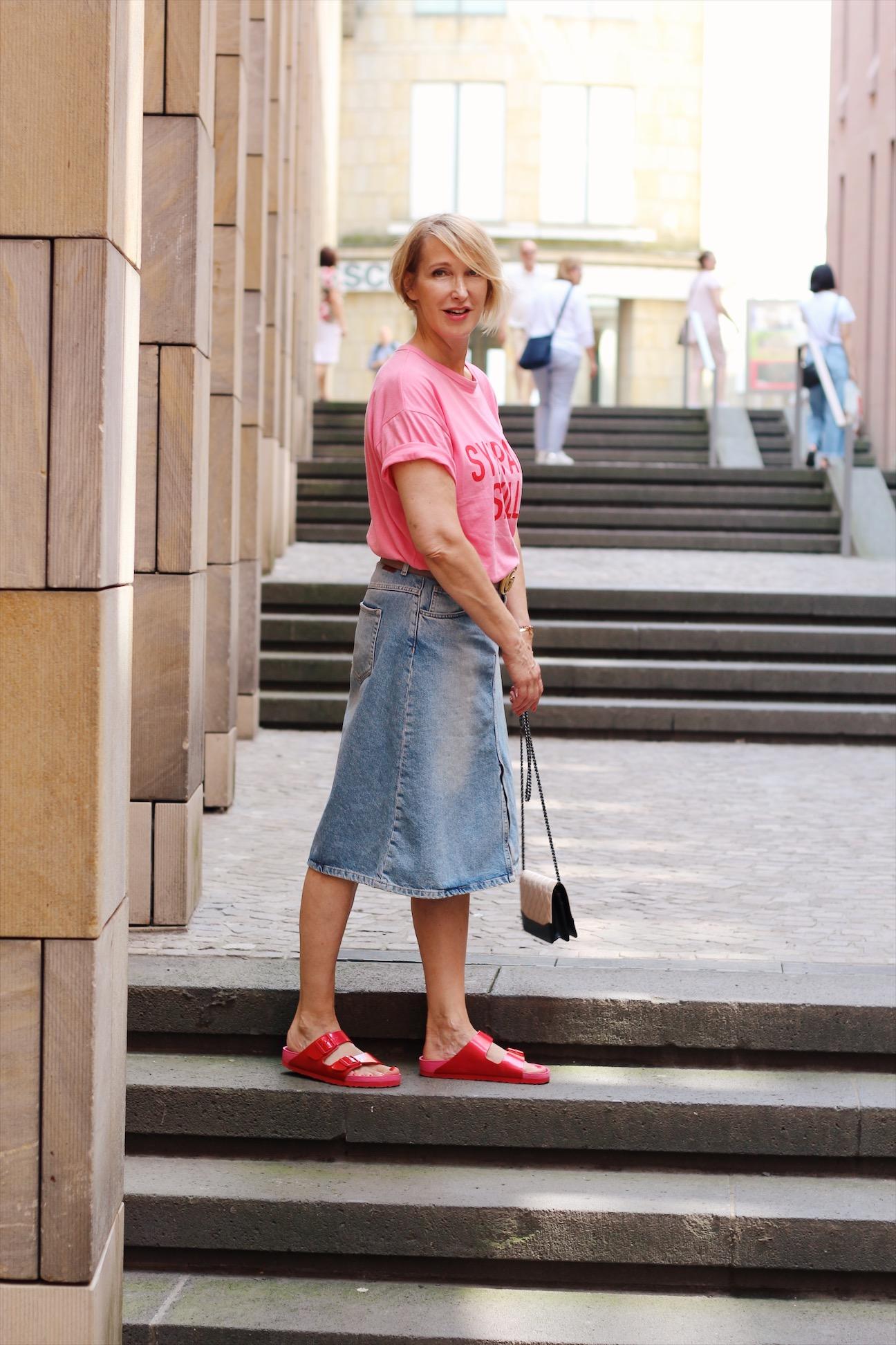 glamupyourlifestyle jeansrock Birkenstock Sommerlook frankfurter-altstadt ue-40-blog ue-50-blog ü-40-blog