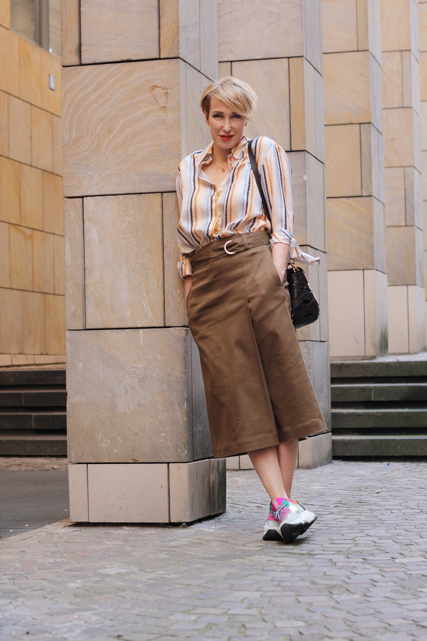 glamupyourlifestyle Röcke Sommer-Outfit Seidenrock Plissee Midi-Röcken ü-40-blog ü-50-blog ue-40-blog ü-50-blog
