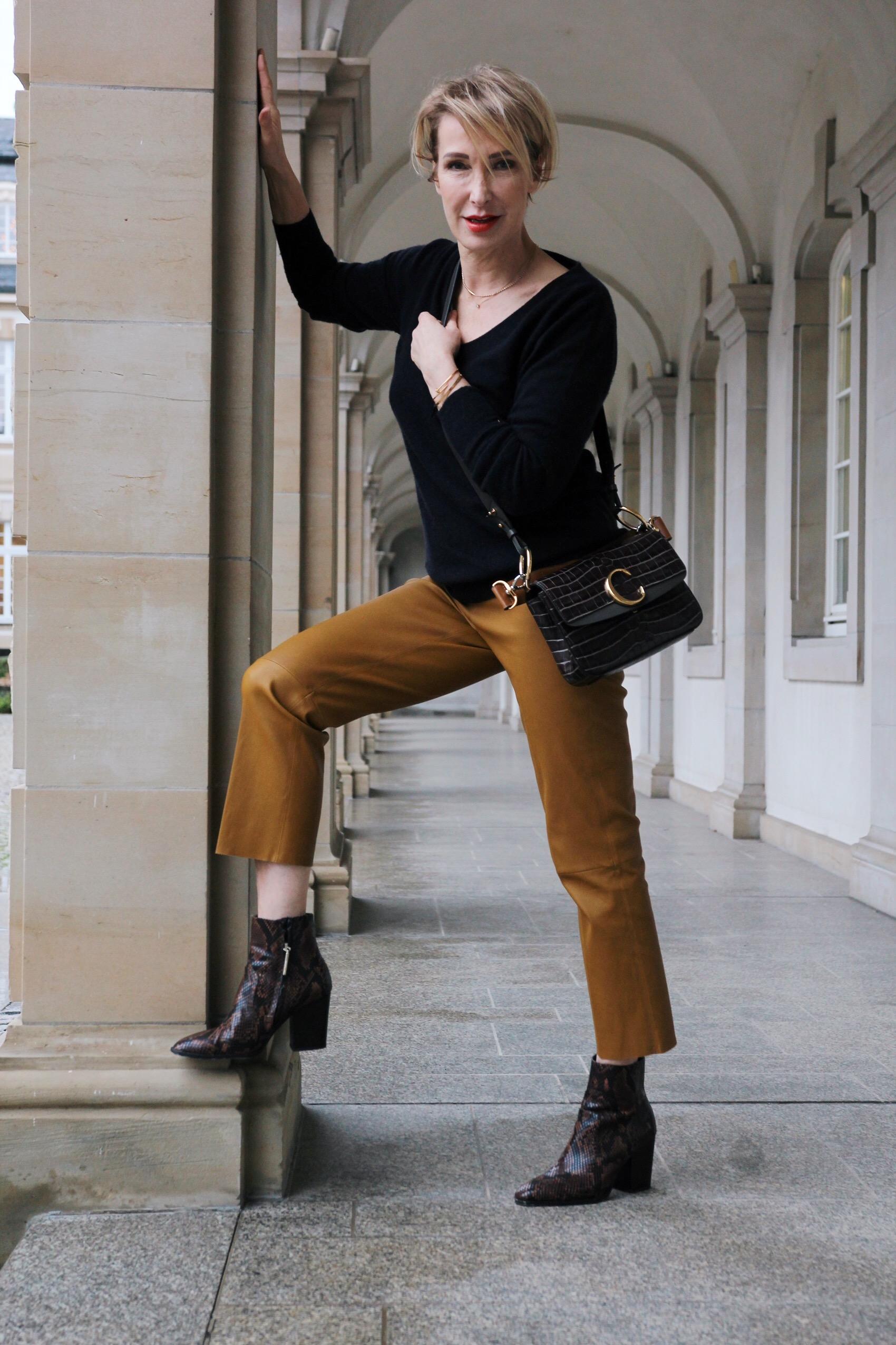 glamupyourlifestyle lederhose ue-40-blog ü-50-blog ue-50-mode