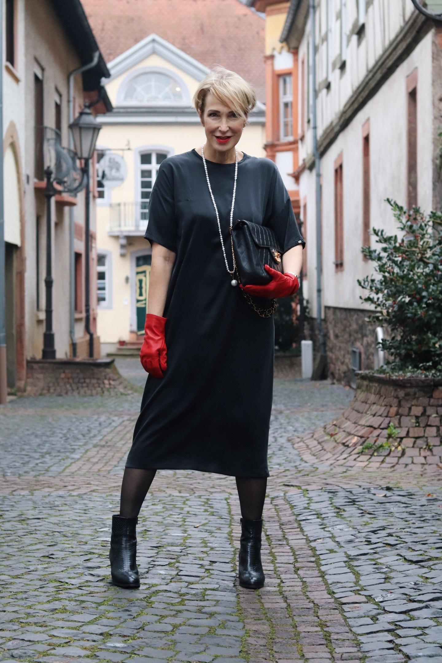 glamupyourlifestyle seidenkleid maßgeschneidert ue-40-mode ue-50-blog susanne-landis