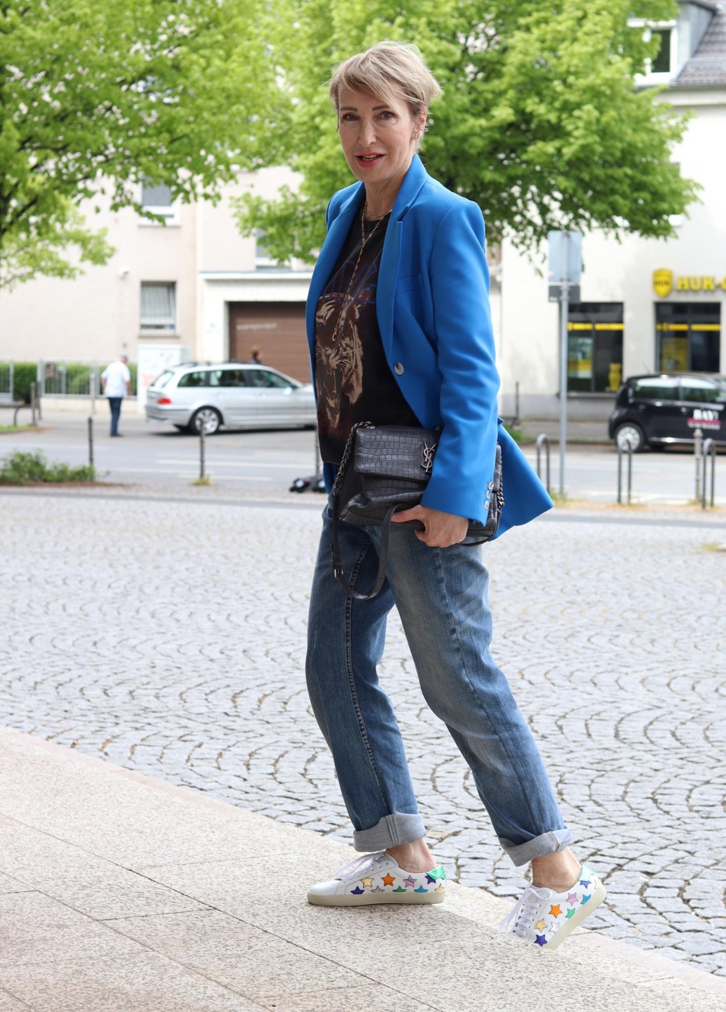 Glamupyourlifestyle modefluesterin alte Jeanshose neu kombinieren ue-40-mode ue-50-blog