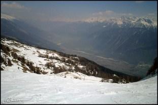 C'est parti! Qui le puisse me suive... Mountains, Gandalf, mountains ! (Dernière descente, Crans-Montana, avril 2003.)