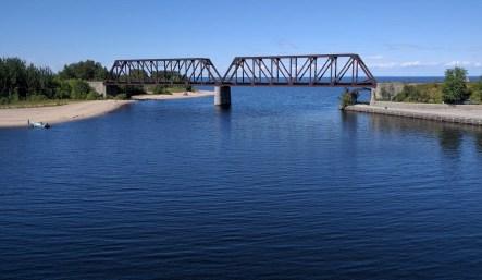 Le pont de la voie ferrée à Métabetchouan