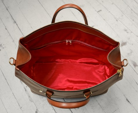 Hand-burnished,-espresso-Club-Bag-with-turquoise-blue-and-crimson-red-lining;-19-x-13-x-8';-19-x-13-x-8'-topdown2