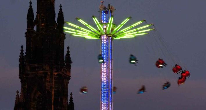 Showtime. Edinburgh at Christmas