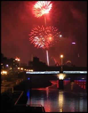 fireworks405small7700-8819