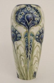 vase auction