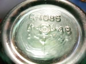 Owens-Illinois markings on base of 1948 soda bottle