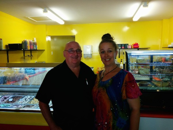 Ken and Jody Bannister Kwerky Cafe Beerwah 15th October 2014