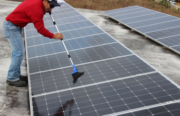 Courtesy: Premier Solar Cleaning