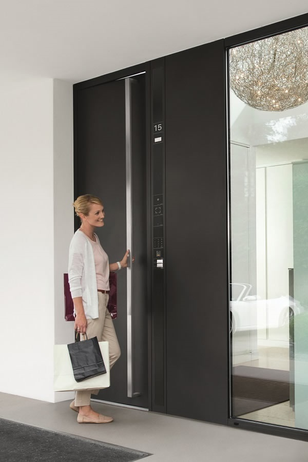Picture credits: Schüco International KG The Schüco Door Control System features a variety of access control and door communication options.