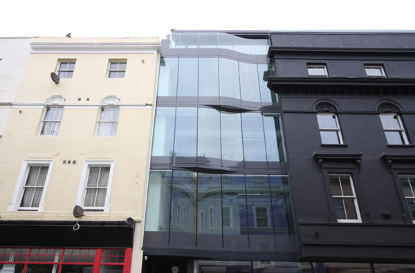 Structural Glass facade by IQ Glass on Tontine Street