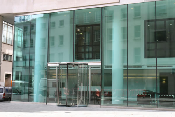 6m tall structural glass facade to an office building in London