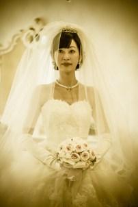 美しい花嫁のウエストショット