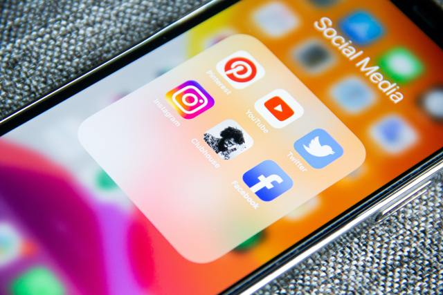 impacts of social media on teenagers