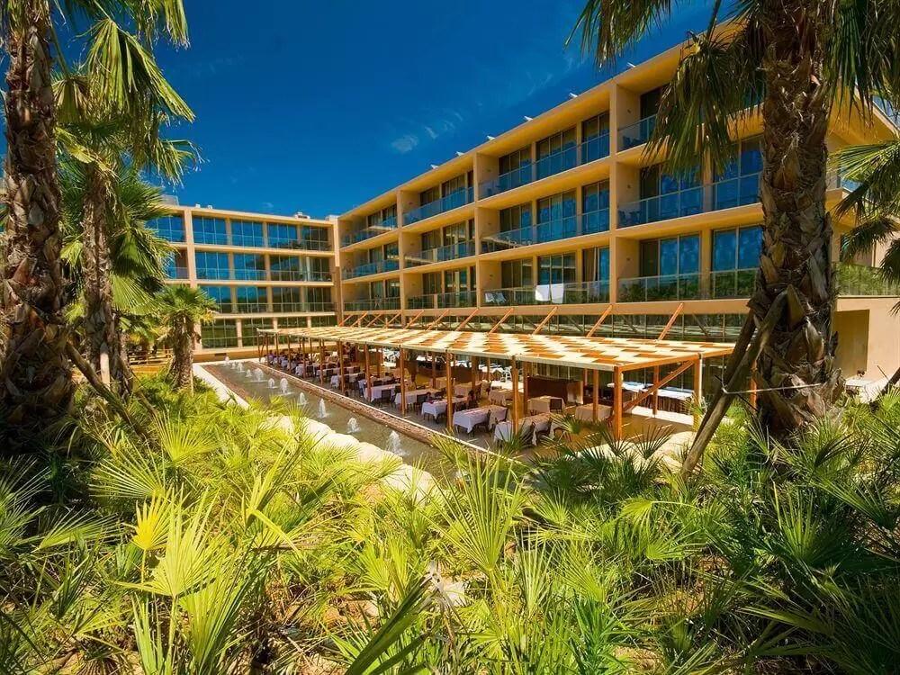 ALGARVE – 5* Salgados Dunas Suites Golf Holiday & Golf Break Offers