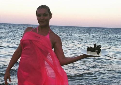 Поклонники обвинили Анастасию Волочкову в слишком откровенном белье