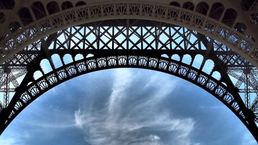 France: TROPICALLY HOT PARIS (2)