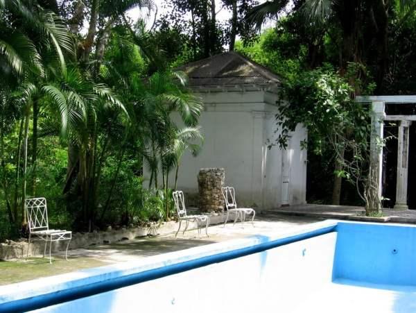Cuba-travel-Ernest-Hemingway-house-Glimpses-of-The-World