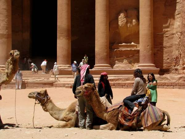Jordan-travel-Petra-Glimpses-of-The-World