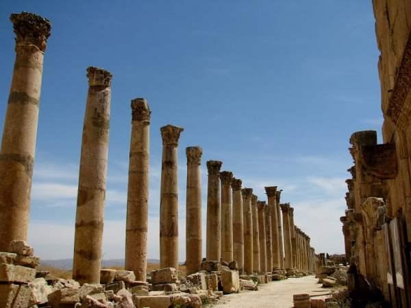Jordan-travel-Jerash-Glimpses-of-The-World