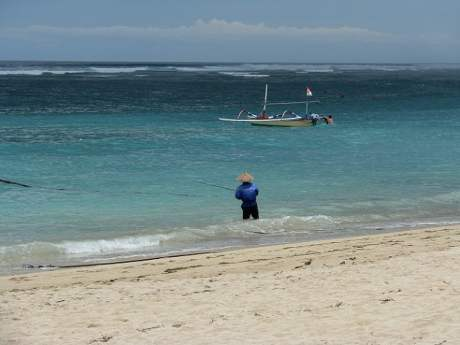 Travel-to-Bali-beach-fishing-Glimpses-of-The-World